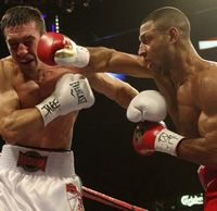 Kell-Brook-punches-Vyache-011
